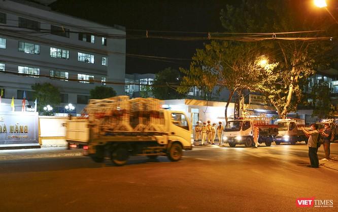 Ảnh: Đà Nẵng chính thức phong tỏa 3 bệnh viện để phòng COVID-19 ảnh 2
