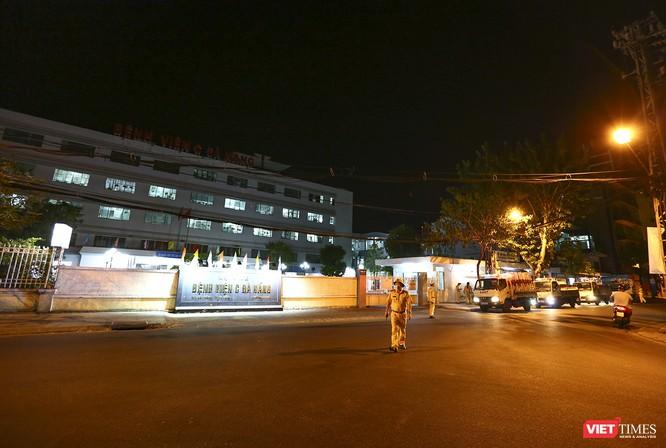 Ảnh: Đà Nẵng chính thức phong tỏa 3 bệnh viện để phòng COVID-19 ảnh 4
