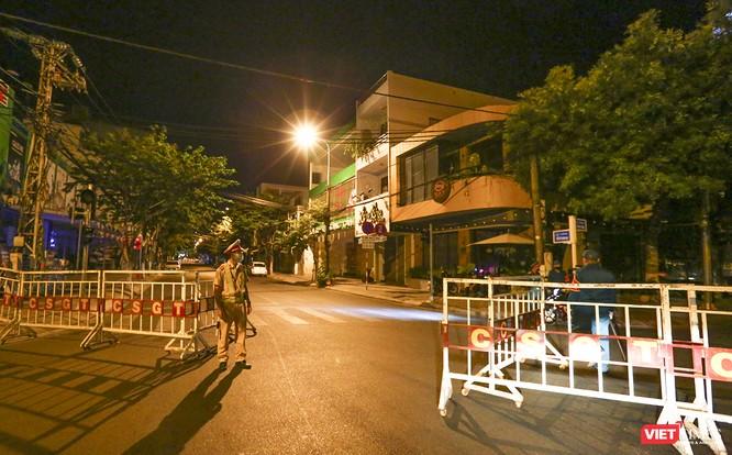 Ảnh: Đà Nẵng chính thức phong tỏa 3 bệnh viện để phòng COVID-19 ảnh 20