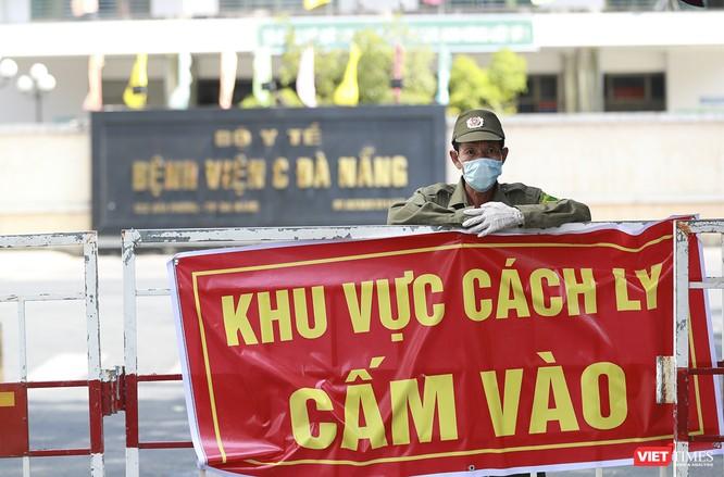 Ảnh: Tình người Đà Nẵng qua những chuyến hàng ủng hộ bác sĩ nơi tuyến đầu chống dịch ảnh 8