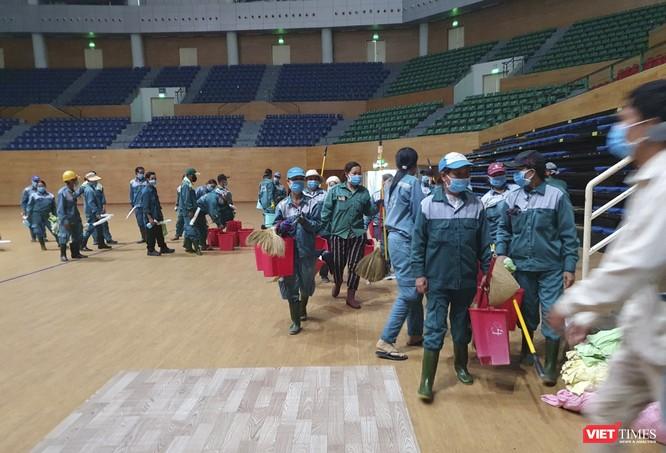Đà Nẵng bắt đầu xây dựng bệnh viện dã chiến tại cung thể thao Tiên Sơn ảnh 19