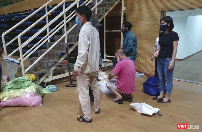 Đà Nẵng bắt đầu xây dựng bệnh viện dã chiến tại cung thể thao Tiên Sơn ảnh 17