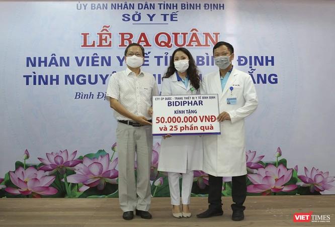 Ảnh: Đoàn cán bộ Y tế tỉnh Bình Định lên đường chi viện cho Đà Nẵng chống dịch COVID-19 ảnh 7