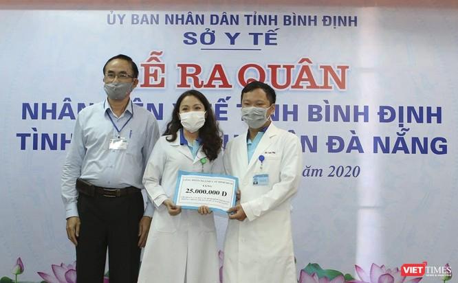 Ảnh: Đoàn cán bộ Y tế tỉnh Bình Định lên đường chi viện cho Đà Nẵng chống dịch COVID-19 ảnh 4