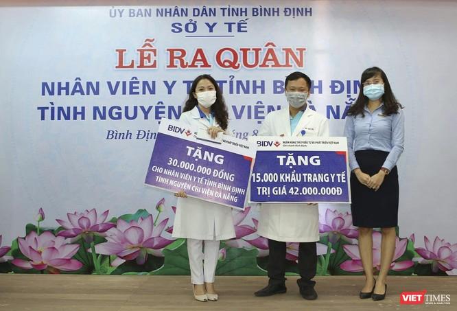 Ảnh: Đoàn cán bộ Y tế tỉnh Bình Định lên đường chi viện cho Đà Nẵng chống dịch COVID-19 ảnh 5