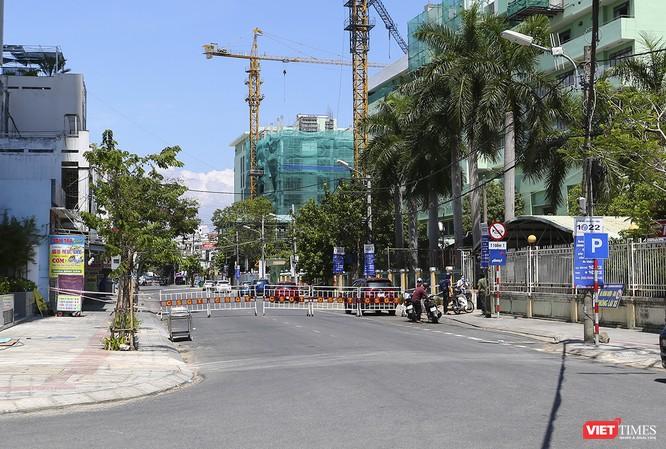 Ảnh: Ngày đầu tiên Bệnh viện C Đà Nẵng dỡ bỏ lệnh phong tỏa ảnh 12