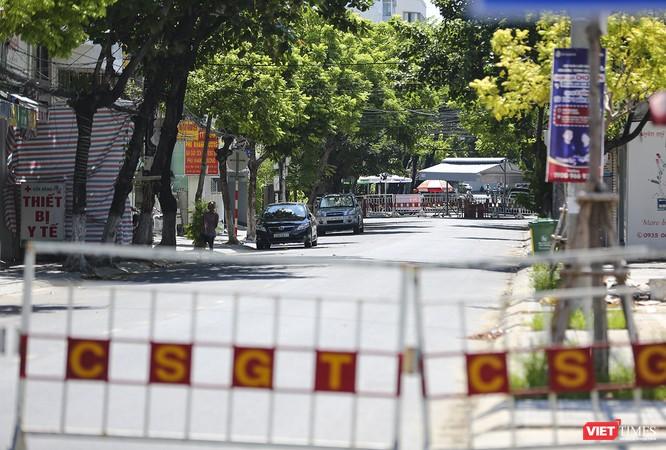 Ảnh: Ngày đầu tiên Bệnh viện C Đà Nẵng dỡ bỏ lệnh phong tỏa ảnh 11
