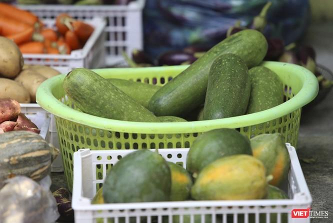 """Ảnh: Ấm lòng """"chợ thực phẩm 0 đồng"""" hỗ trợ người dân ở Đà Nẵng ảnh 5"""