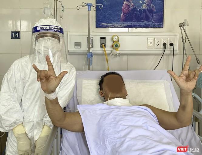 """""""Bác sĩ 91"""" nói gì về ca mắc COVID-19 nặng, nhiều bệnh nền vừa được chữa khỏi ảnh 1"""