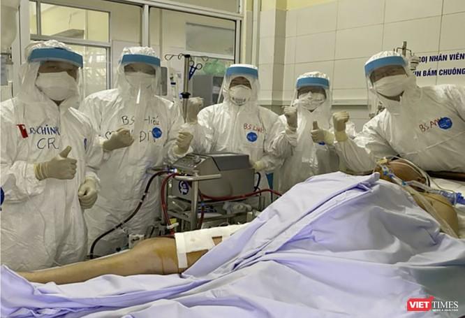 """""""Bác sĩ 91"""" nói gì về ca mắc COVID-19 nặng, nhiều bệnh nền vừa được chữa khỏi ảnh 2"""