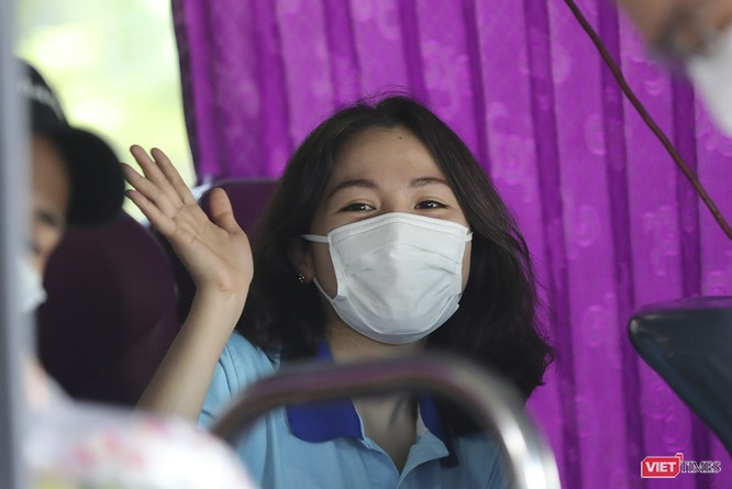 Ảnh: Đoàn bác sỹ tình nguyện Thừa Thiên Huế, Bình Định chia tay Đà Nẵng ảnh 9