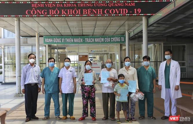 Cụ ông 90 tuổi mắc COVID-19 ở Quảng Nam được xuất viện ảnh 1