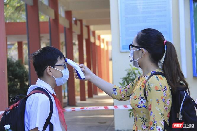 Ngày đầu học sinh ở Đà Nẵng trở lại trường sau thời gian giãn cách do COVID-19 ảnh 1