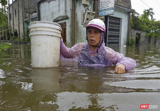Đà Nẵng sơ tán hơn 2.500 người trước nguy cơ mưa lũ diễn biến phức tạp ảnh 1