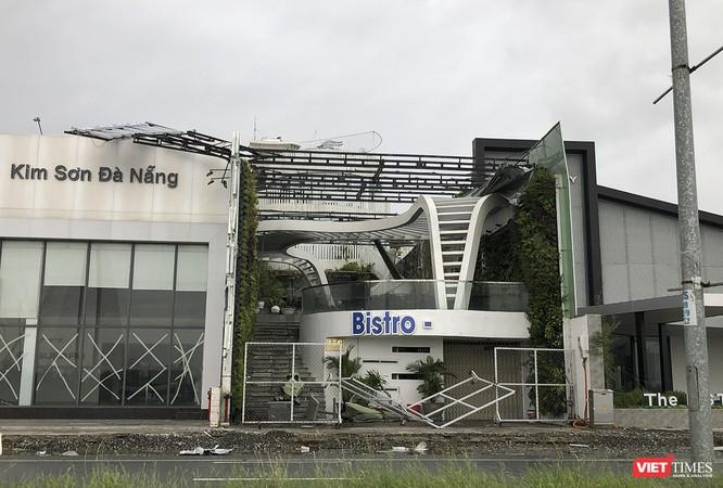 """Đà Nẵng như bãi chiến trường sau trận """"càn quét"""" của siêu bão số 9 ảnh 16"""