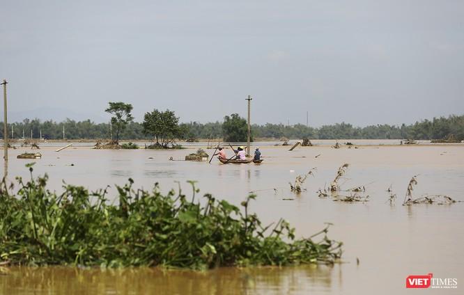 Quảng Nam: Thủy điện Đắk Mi 4 xả lũ, hạ du sông Vu Gia chìm trong nước ảnh 3
