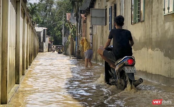 Quảng Nam: Thủy điện Đắk Mi 4 xả lũ, hạ du sông Vu Gia chìm trong nước ảnh 15