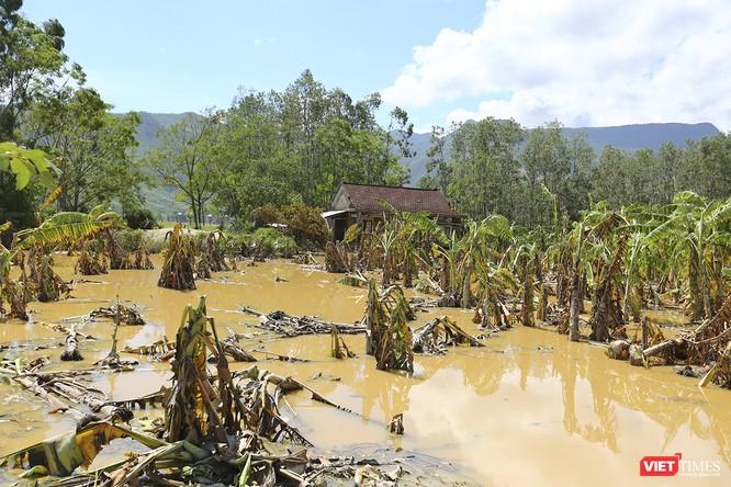 Quảng Nam: Thủy điện Đắk Mi 4 xả lũ, hạ du sông Vu Gia chìm trong nước ảnh 18