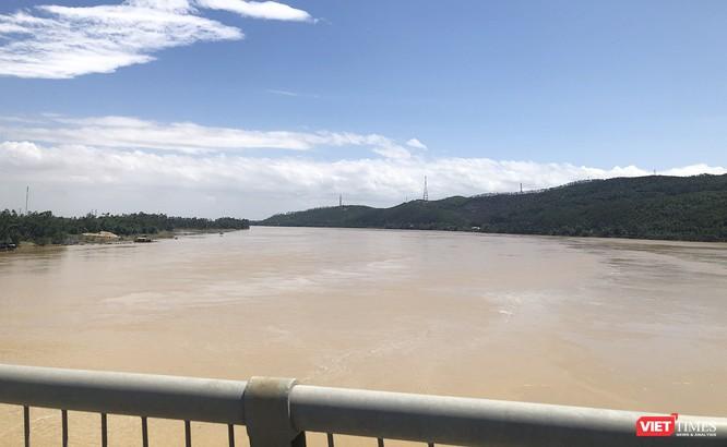 Quảng Nam: Thủy điện Đắk Mi 4 xả lũ, hạ du sông Vu Gia chìm trong nước ảnh 1