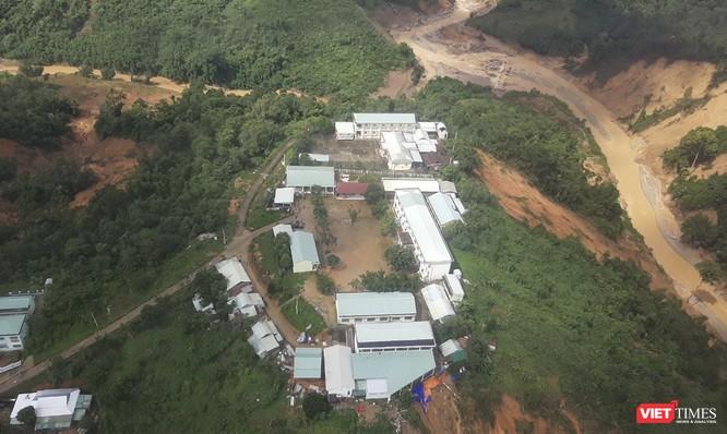 Ảnh: Lập cầu hàng không tiếp tế lương thực cho gần 3.000 người dân đang bị chia cắt ở Phước Sơn ảnh 6