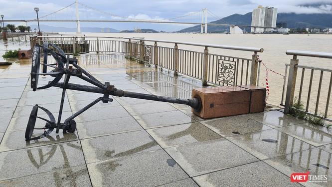 Đà Nẵng ngổn ngang sau khi bão số 13 lướt qua ảnh 10