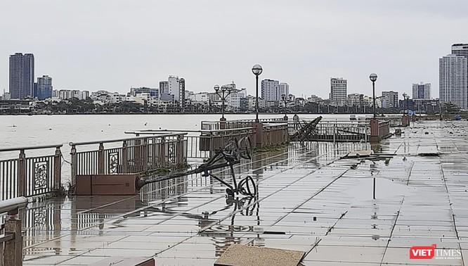 Đà Nẵng ngổn ngang sau khi bão số 13 lướt qua ảnh 9