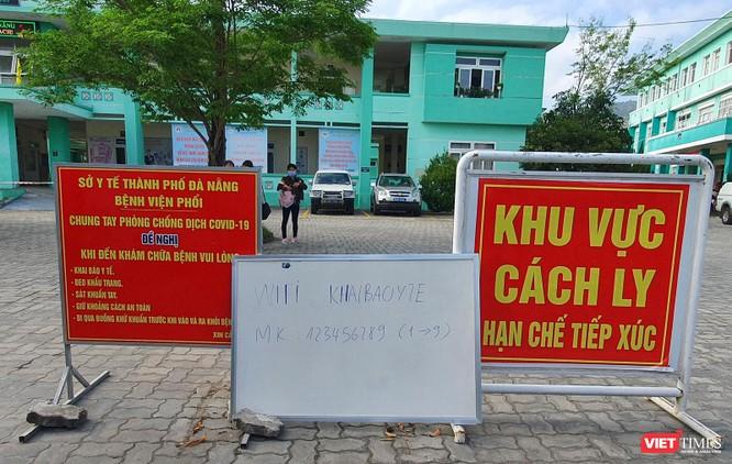 Ảnh: 100 y bác sĩ đầu tiên của Đà Nẵng được tiêm vaccine COVID-19 ảnh 1