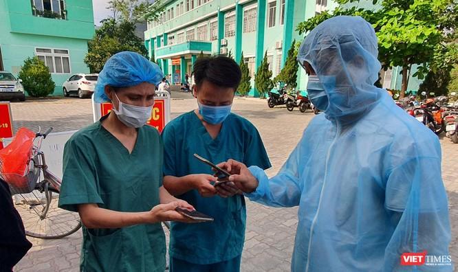 Ảnh: 100 y bác sĩ đầu tiên của Đà Nẵng được tiêm vaccine COVID-19 ảnh 2