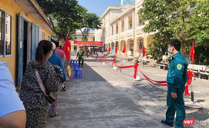 Ảnh: Cử tri toàn TP Đà Nẵng đi bầu cử đại biểu Quốc hội và HĐND TP ảnh 7