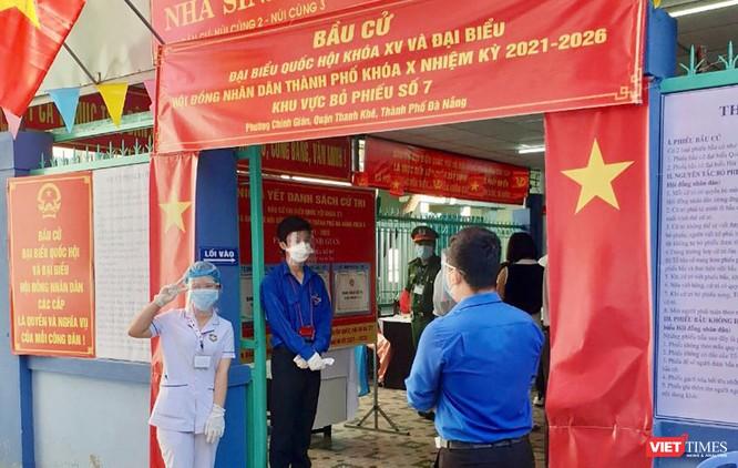 Ảnh: Cử tri toàn TP Đà Nẵng đi bầu cử đại biểu Quốc hội và HĐND TP ảnh 10