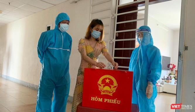Ảnh: Cử tri toàn TP Đà Nẵng đi bầu cử đại biểu Quốc hội và HĐND TP ảnh 17