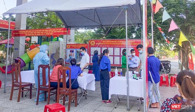 Ảnh: Cử tri toàn TP Đà Nẵng đi bầu cử đại biểu Quốc hội và HĐND TP ảnh 6