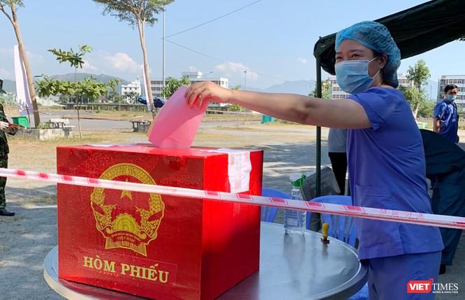 Ảnh: Cử tri toàn TP Đà Nẵng đi bầu cử đại biểu Quốc hội và HĐND TP ảnh 20