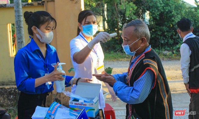 Ảnh: Cử tri toàn TP Đà Nẵng đi bầu cử đại biểu Quốc hội và HĐND TP ảnh 21