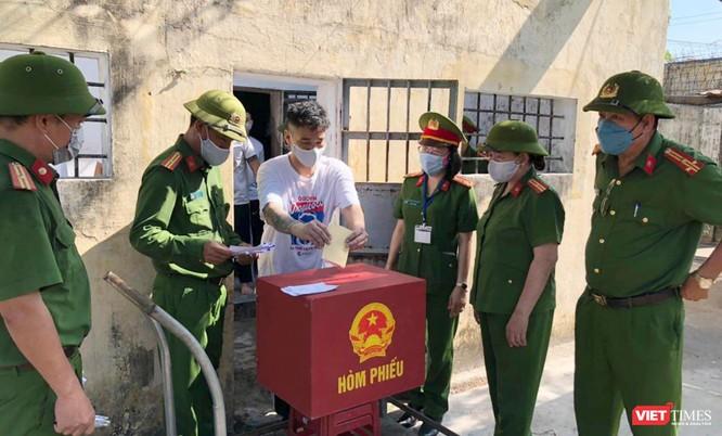 Ảnh: Cử tri toàn TP Đà Nẵng đi bầu cử đại biểu Quốc hội và HĐND TP ảnh 18