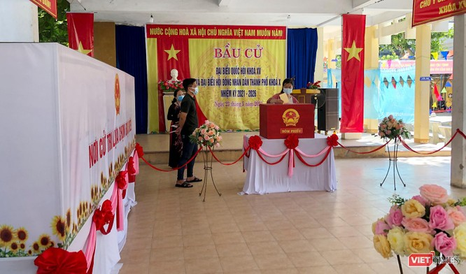 Ảnh: Cử tri toàn TP Đà Nẵng đi bầu cử đại biểu Quốc hội và HĐND TP ảnh 11