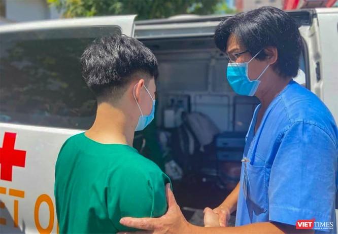 Thêm đoàn y bác sĩ ở Đà Nẵng lên đường hỗ trợ Bắc Giang chống dịch COVID-19 ảnh 1