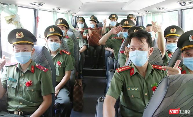 Đoàn bác sĩ Bệnh viện 199 Đà Nẵng lên đường chi viện cho TP. HCM chống dịch COVID-19 ảnh 7