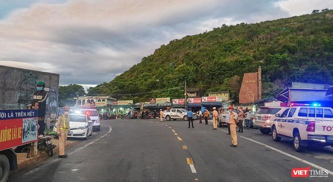Ảnh: Hàng trăm người miền Trung rời TP HCM bằng xe máy ảnh 10