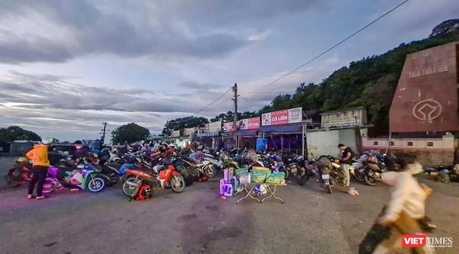 Ảnh: Hàng trăm người miền Trung rời TP HCM bằng xe máy ảnh 4