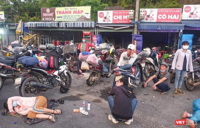 Ảnh: Hàng trăm người miền Trung rời TP HCM bằng xe máy ảnh 7