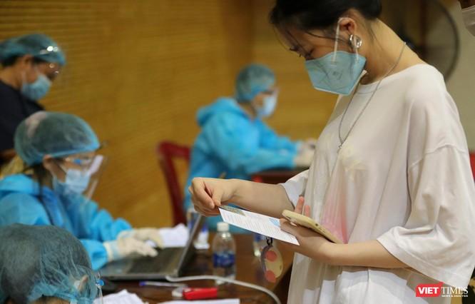 Ảnh: Đà Nẵng ngày đầu tiêm vaccine COVID-19 Spikevax trong cộng đồng ảnh 39