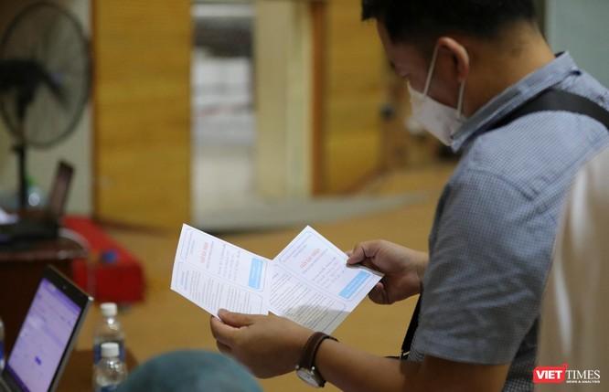 Ảnh: Đà Nẵng ngày đầu tiêm vaccine COVID-19 Spikevax trong cộng đồng ảnh 38