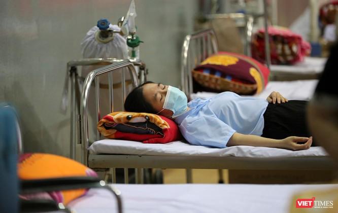 Ảnh: Đà Nẵng ngày đầu tiêm vaccine COVID-19 Spikevax trong cộng đồng ảnh 35