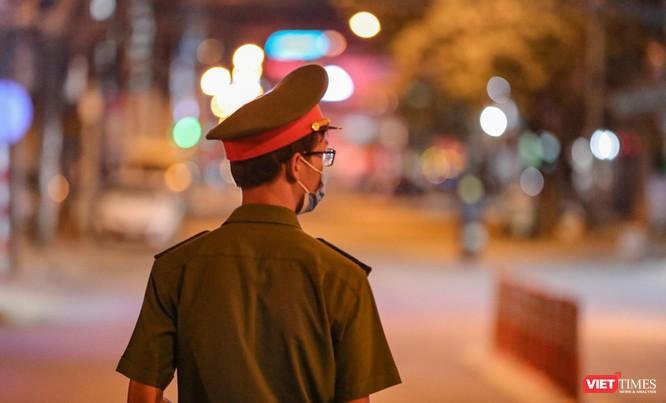 Ảnh: Đà Nẵng chính thức giãn cách xã hội toàn TP theo Chỉ thị 16/CT-TTg ảnh 36