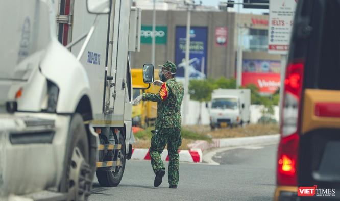 Ảnh: Cận cảnh chốt kiểm soát 5 phường trên địa bàn quận Sơn Trà (Đà Nẵng) ảnh 16