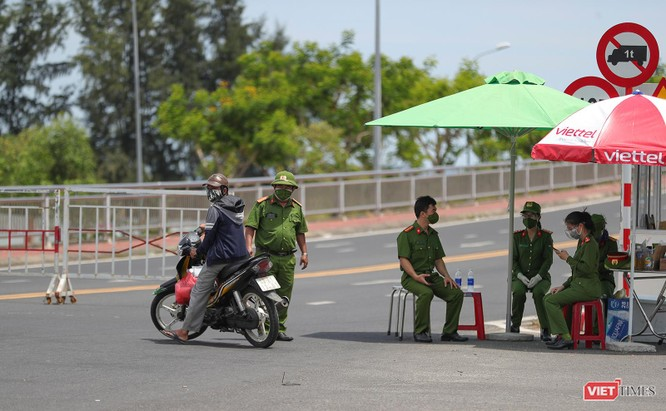 Ảnh: Cận cảnh chốt kiểm soát 5 phường trên địa bàn quận Sơn Trà (Đà Nẵng) ảnh 32