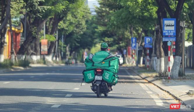 Ảnh: Đường phố Đà Nẵng ra sao sau 10 ngày giãn cách xã hội! ảnh 28