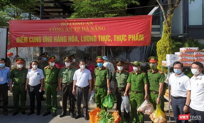Công an Đà Nẵng chính thức đưa 30 điểm cung ứng thực phẩm cho người dân vào phục vụ ảnh 2