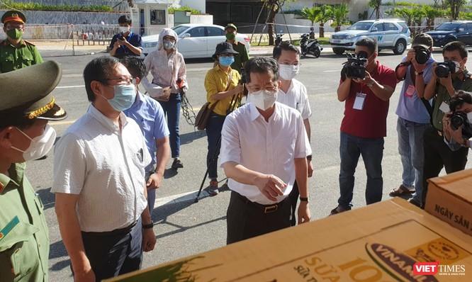 Công an Đà Nẵng chính thức đưa 30 điểm cung ứng thực phẩm cho người dân vào phục vụ ảnh 1
